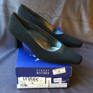 Stuart weitzman black crepe low heel wsz244